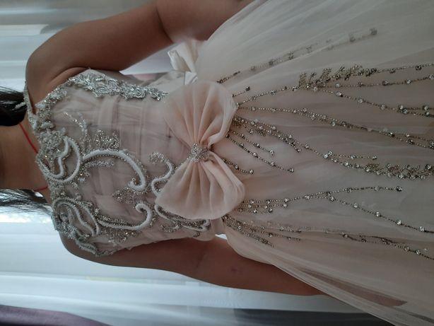Красивое выпускное платье ручной работы