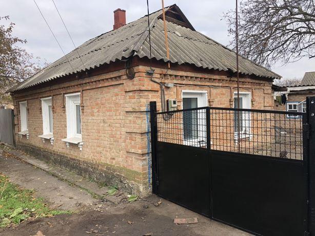 Отдельно стоящий дом с жилым флигилем р-н Николаевка