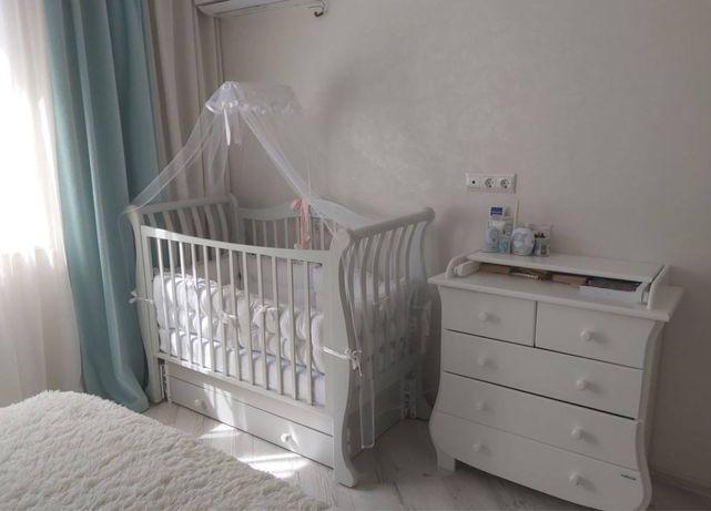Детская кроватка и комод. Идеальное состояние.