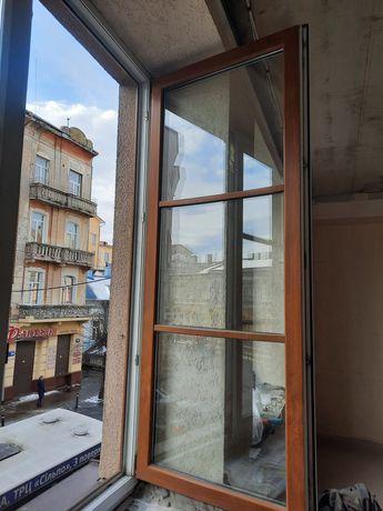 Продам металопластикові вікна 《 біло-коричневі)