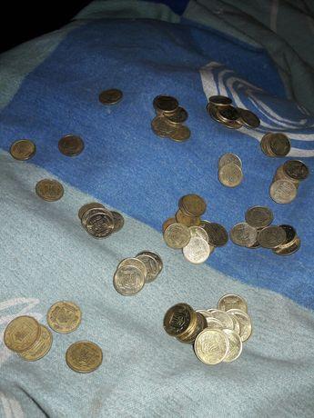 Продам монеты по 10 копеек разные года