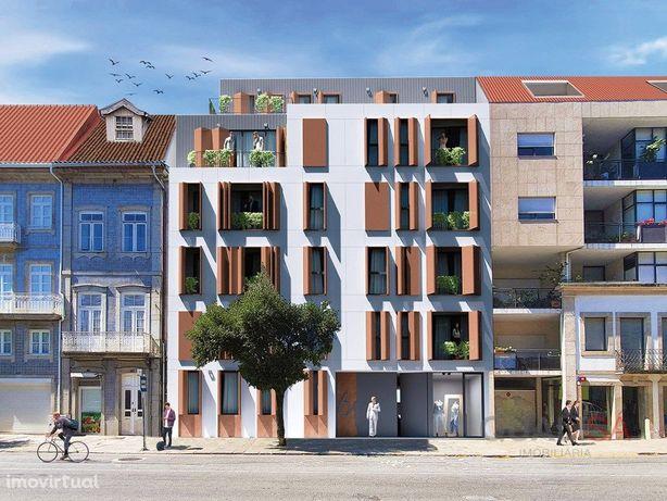 Apartamento T2+1 com logradouro e garagem em prédio novo ...