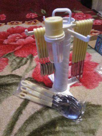 Набор кухонный ложки ножи новый