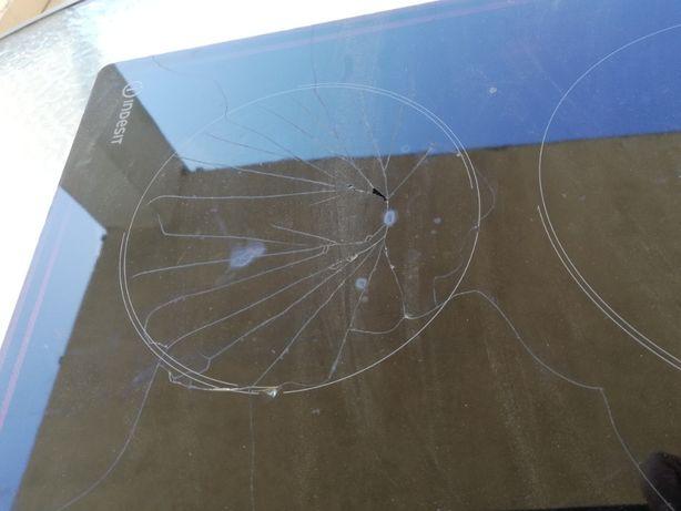 Płyta ceramiczna elektryczna Indesit - uszkodzona