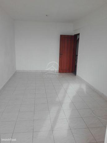 Apartamento T2 - Arroja, Odivelas