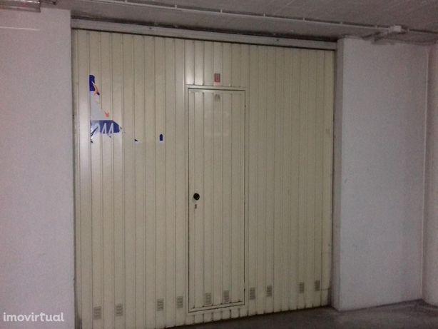 Parking space/Garage em Leiria, Leiria REF:2348.1
