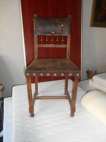 Stare krzeslo z oryginalną skórą Eklektyczne XIXw antyk