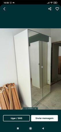 Roupeiro PAX com Portas Espelhadas