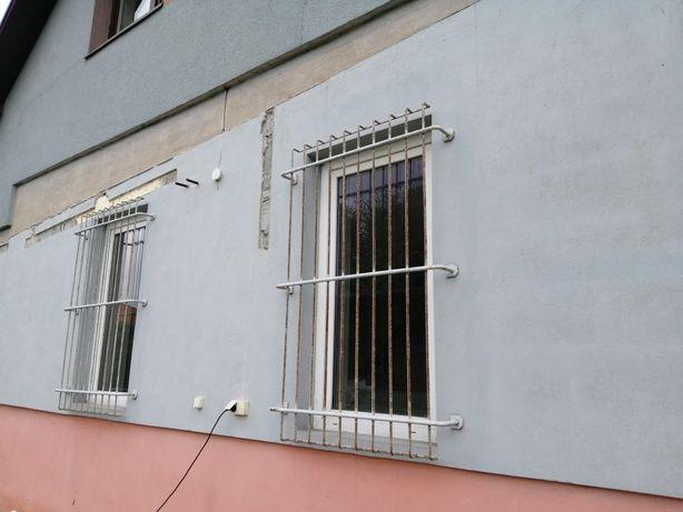 Krata okienna z prętów antywlamaniowa