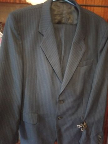 Продам костюм 46 размер