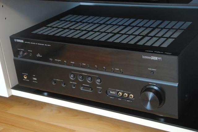 Amplituner YAMAHA RX-V671