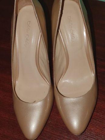 Туфли женские куплены в Miraton