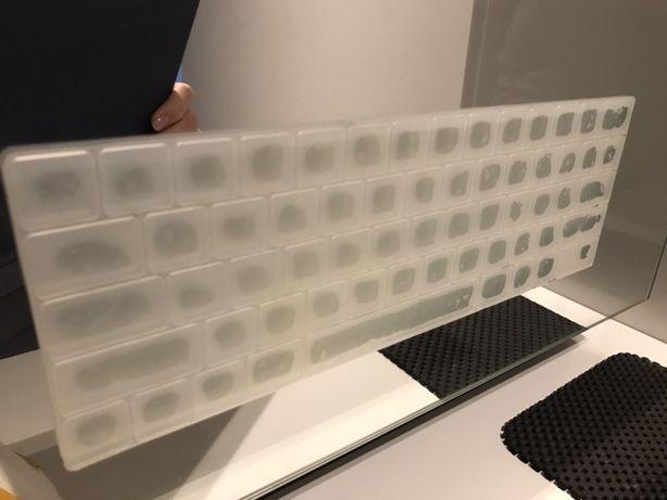 Защитная силиконовая накладка на клавиатуру MacBook