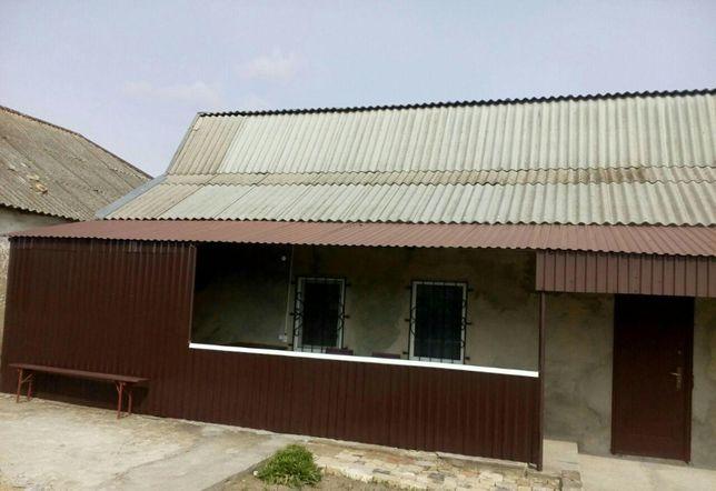 Продам дом в г. Берислав с большим участком земли