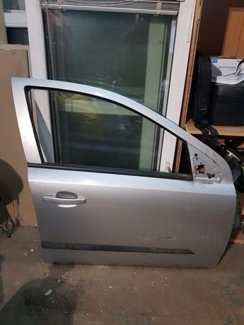 Drzwi prawe przednie Opel Astra H