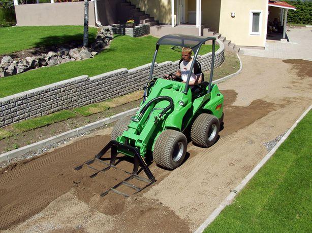 Równanie terenu / zakładanie trawników / prace ziemne