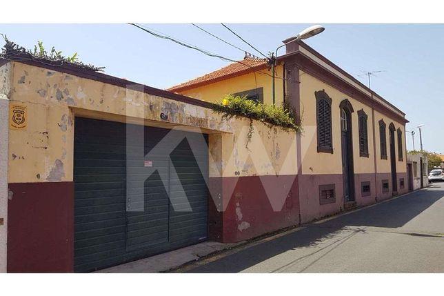 984 M2 Para Constyrução Com Duas Casas Geminada Nos Ilhéus, T6 E T4, F
