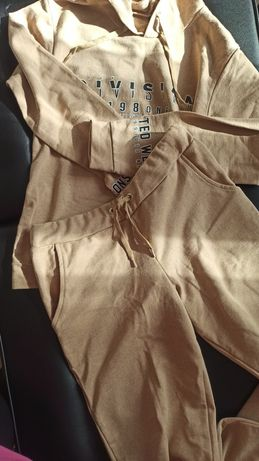 Dres komplet dresowy reserved bluza spodnie zara h&m M beżowe brązowe