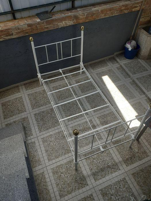Cama de criança de ferro antiga Seia, São Romão E Lapa Dos Dinheiros - imagem 1