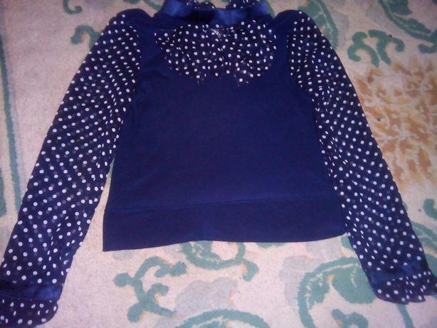 Блуза на девочку в школу.