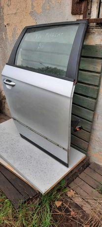 Volkswagen Passat B6 kombi drzwi tylne prawe