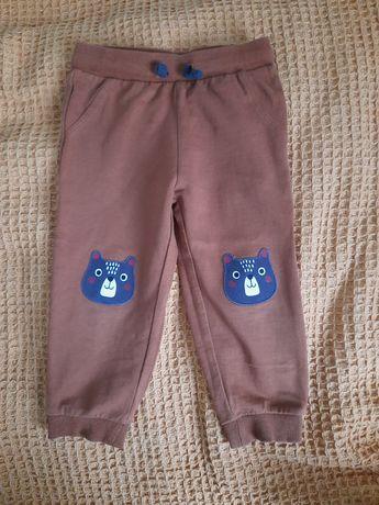 Spodnie dresowe misie 92