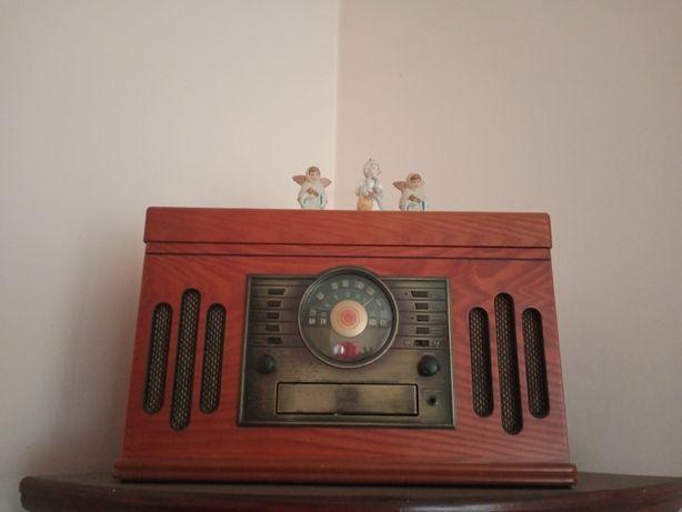 Radio, odtwarzacz CD i płyt analogowych