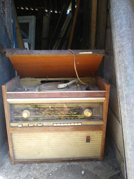Продам патефон с радио ссср