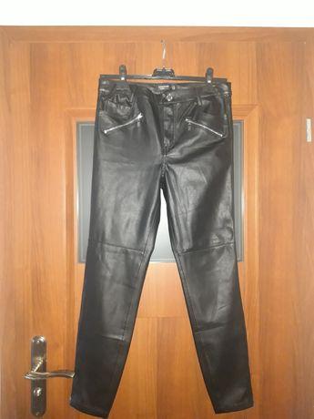 RESERVED czarne spodnie rurki skórzane skóra Zamki NOWE 36 S
