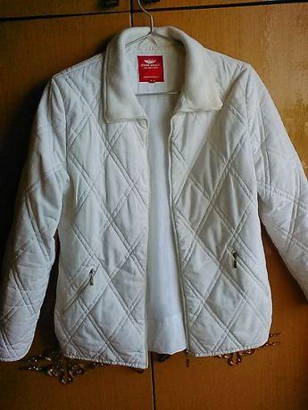 Женская куртка на тонком синтепоне