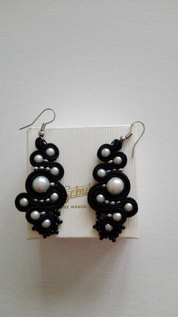 Piękne kolczyki ręcznie robione z perełkami