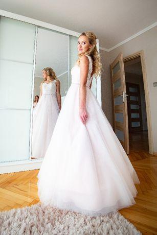 Suknia ślubna róż litera A swarovski
