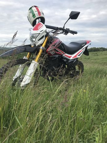 Мотоцикл ендуро