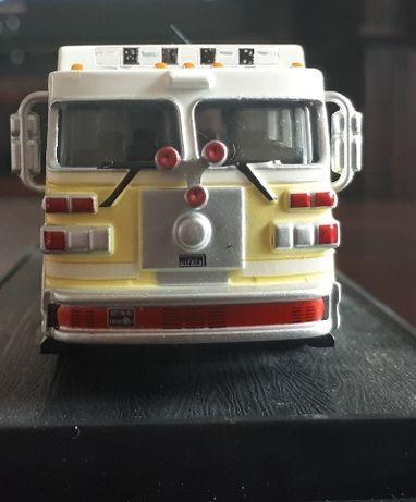 Monarch Resuce Pumper small body Sutphen USA- wóz strażacki. Model