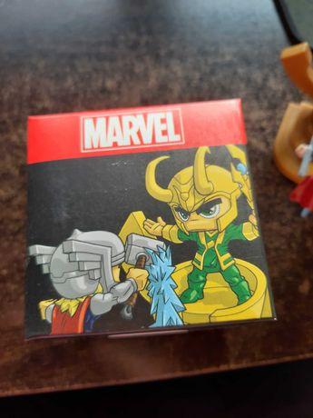 Thor vs Loki marvel collector's series figure