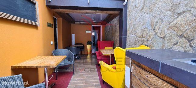 Hostel com 8 Quartos em Barão São João - Lagos