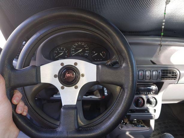 Vendo volante desportivo Luisi com cubo nissan micra k11