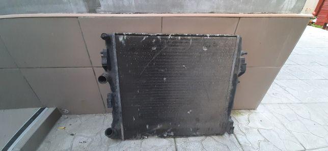 Радиатор охлаждения Renault kangoo 1.5 DCI.Nissan Kubistar 1.5 DCI