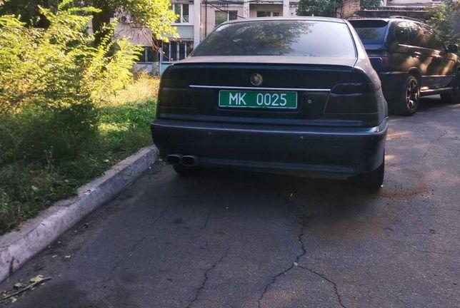 Продаю BMW 525 е39