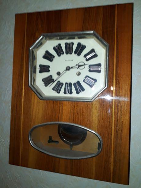 Настенные механические часы с боем