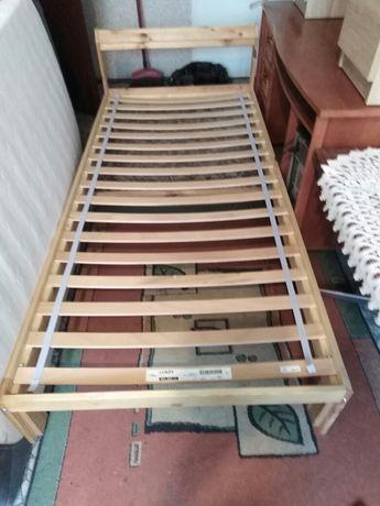 Łóżko pojedyncze z materacem kieszonkowym