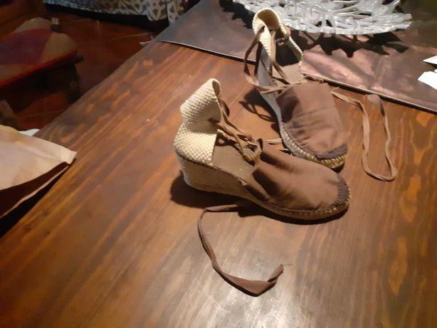 TROCO/ VENDO Sandálias com Cunha em Castanho nº38