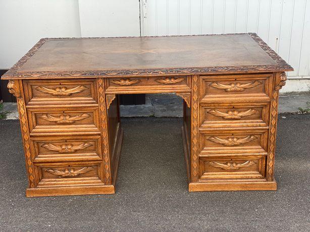 Антикварний письмовий стіл з різьбою (левами)