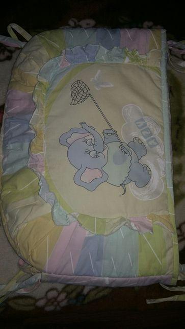 Защита-бортик в кроватку!