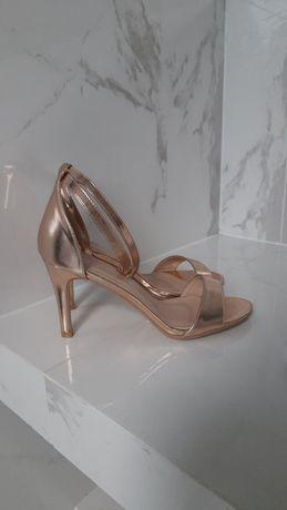 Złote sandały szpilki różowe złoto  r. 39