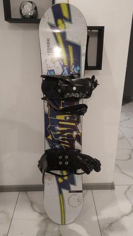 Sprzedam deskę snowboardowa