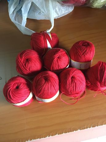 Novelos KOTACRIL vermelho cor 533 50 gramas