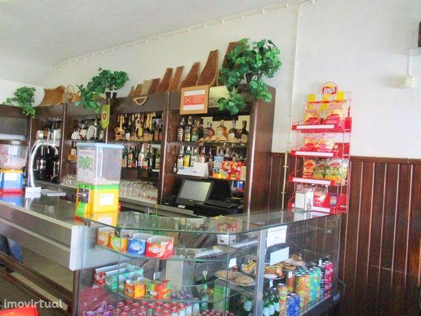 Café Snack-Bar Restaurante com esplanada