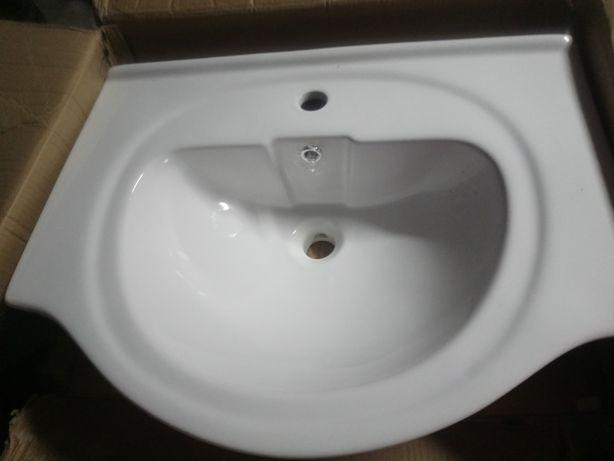 2 Lavatórios WC e Casa de banho novos (baixa de preço)