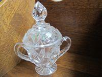 Pucharek szklany z pokrywką